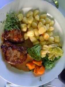 Steak vom Bio Säuli mit Gnocchi und Gemüse