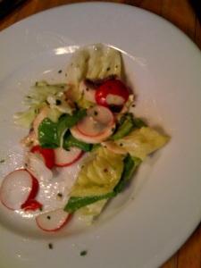 Salat mit Radieschen und Champignons