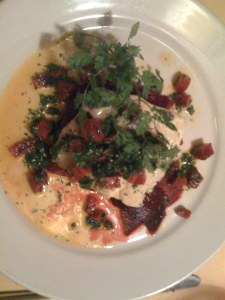 Kabeljau auf Randencarpacchio mit Chorizo und Kräuterschaum