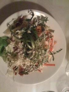 Gemischter Salat mit Löwenzahn