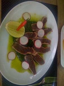 Thunfisch mit Spinat Knoblauch Dip