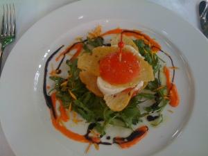 Sandwich mit Tomate und Büffelmozzarella