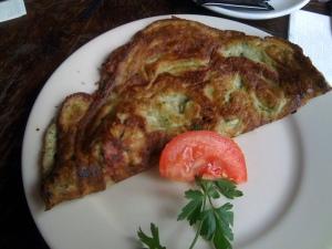 Omelette mit Käse und Schinken
